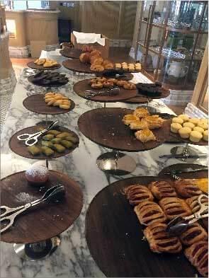 St Regis, Dubai - Petit déjeuner