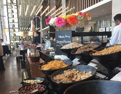 Steigenberger Dubai, buffet petit-déjeuner