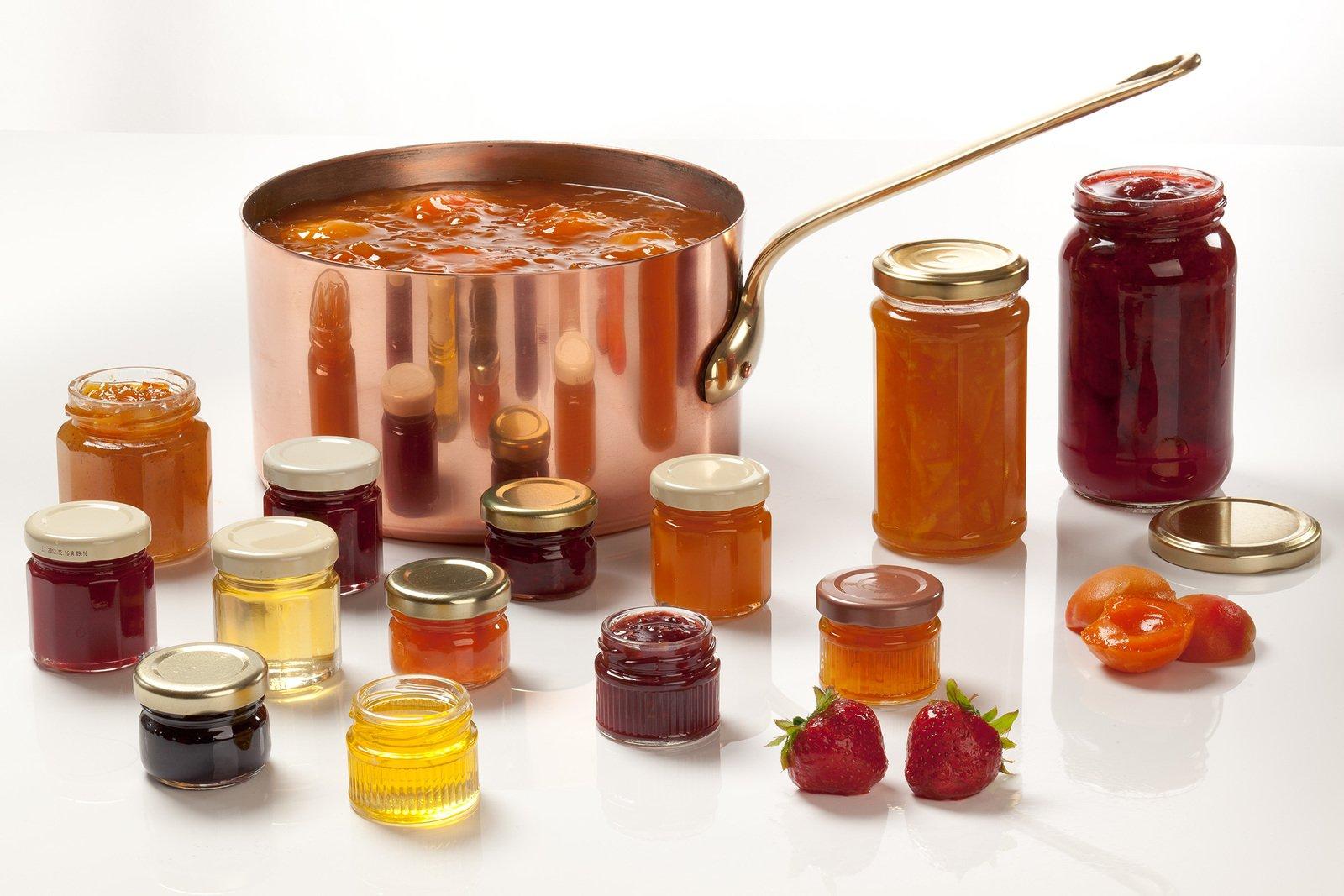 Andrésy Confitures est l'expert français des confitures sur-mesure et des recettes à façon, tout est personnalisable : recettes, pots, étiquettes, packagings